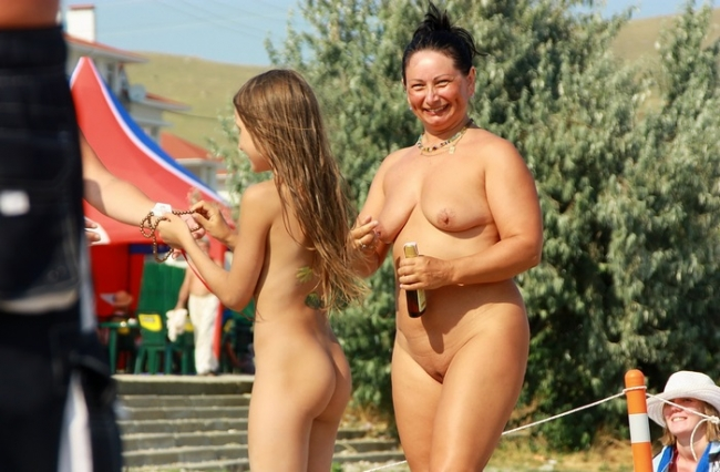 Boys and girls nudists summer photos of the sea holiday - Purenudism pt. 31