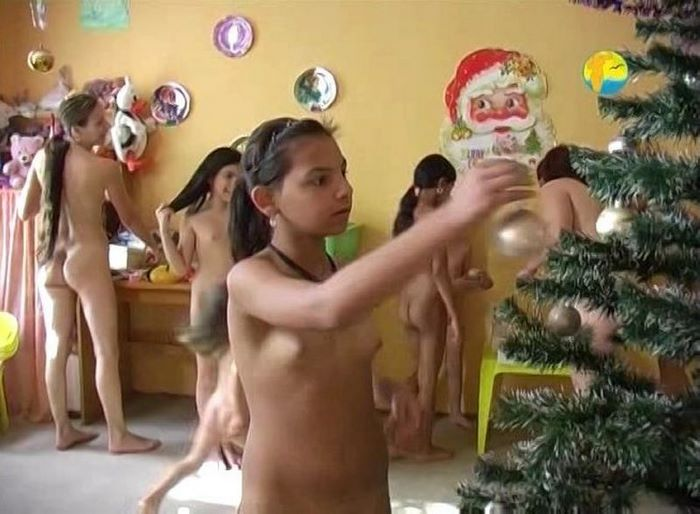 Christmas - film about nudism (France)